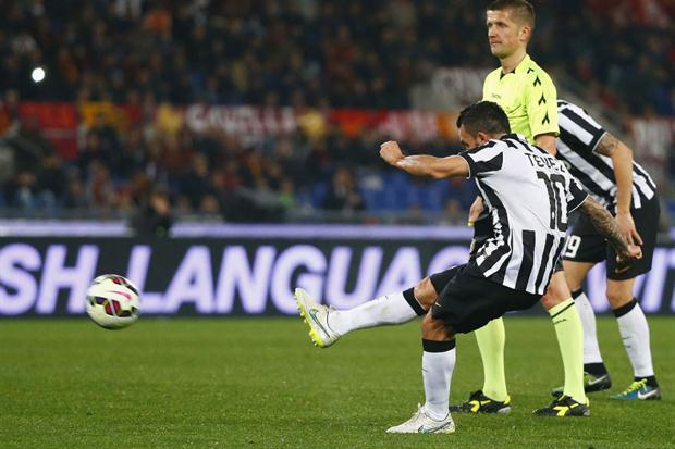 Tévez gol Roma (Reuters)