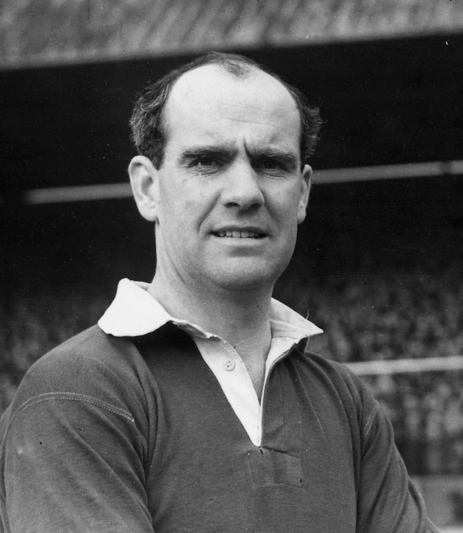 1950: Manchester United and Ireland footballer, Johnny Carey. (Photo by Central Press/Getty Images)